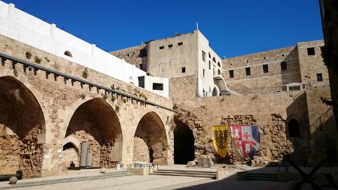 Korsfarernes borg i Akko set indefra. Israel-Info
