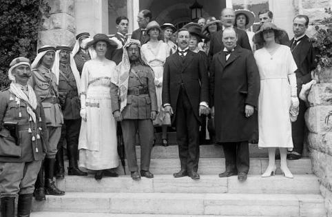 Winston Churchill i Jerusalem med den britiske højkommissær Herbert Samuel marts 1921. Israel ung og ældgammel. Israel-Info