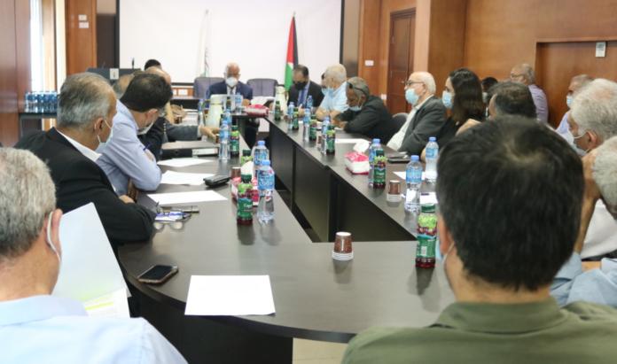 Palæstinensiske fraktioner og NGO'er til møde i PA-udenrigsministerieum om EU's antiterrorklausul.